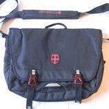 Черная сумка для ноутбука Ellehammer