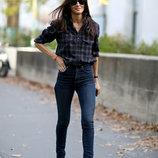 Темные плотные синие прямые зауженные джинсы высокий рост низкая талия посадка ZARA длинные