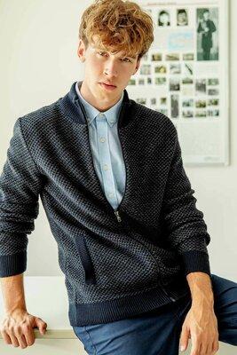 Деловая мужская кофта De Facto / Де Факто на молнии, с карманами