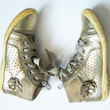 Деми ботинки кожа нежно-золотого цвета 28 размер.