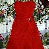 Эффектное красное платье c болеро