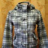 Курточка унисекс в отличном состоянии весна-осень на рост 146.152.158р