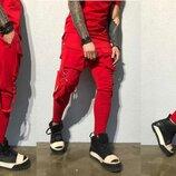 мужские спортивные штаны 46, 48, 50, 52 Штаны зауженные , шесть карманов, декор карабины
