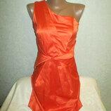 Очень красивое женское нарядное платье рр 10 грудь 40 см