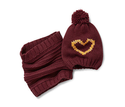 Комплект Вязаная шапка с сердечком снуд Тсм Чибо