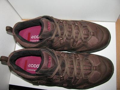 Кросівки брендові шкіряні ECCO Gore-Tex Оригінал р.40 стелька 26 см