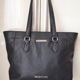 Женская сумочка Valentino.