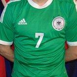 Спортивная фирменная футбольная футболка Adidas зб Германии Schweinsteiger .м-л .