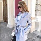 Серое стильное пальто без подклада