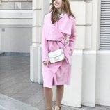 Розовое стильное пальто без подклада
