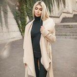 Бежевое стильное пальто без подклада
