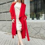 Красное стильное пальто без подклада