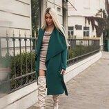 Зеленое стильное пальто без подклада