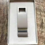 Оригинальный ключница-открывашка от бренда COS разм. One size