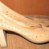 рижі класичні туфлі шкіра Sarah Karen р40