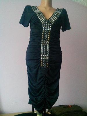 Стильное легкое вечернее платье размер 36-40 тянется
