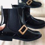 Ботинки черные новые супер цена 39,40