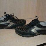 Комфортные кроссовки из натуральных материалов