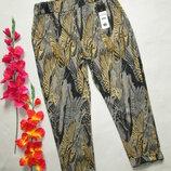 Суперовые укороченные трикотажные стрейчевые брюки жаккардовой расцветки с подкотами Италия.