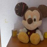 Микки Маус.