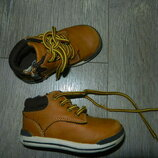 бежевые ботиночки, кеды 21 размер/13 см