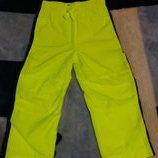 Спортивные штаны Osh kosh в отличном состоянии рост 4т