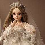 Шарнирная кукла Свадебная принцесса с аксессуарами и подставкой.