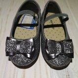 Новые блестящие туфельки Carter's