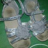 Детские сандалики для двора.