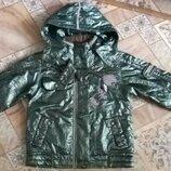 Отличная куртка курточка ветровка на девочку.Осень весна,демисезонная ветровка.Размер 120