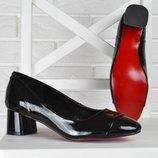 41,42,43 размеры Туфли женские на широком устойчивом каблуке Lady лакированные черные