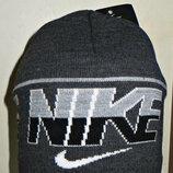 Шапка Nike на флисе серая с большой надписью полу-шерсть.