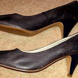 Стильні шкіряні туфлі