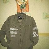 Джинсовая стильная куртка ,цвет хаки.