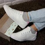Подростковые белые кеды кроссовки , стильная обувь на каждый день