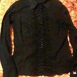 Блуза с рюшами, размер s.Суперблузка Застегивается на крючки для терпеливых