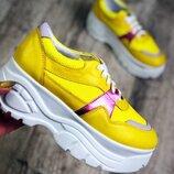 Кроссовки в стиле B lenciaga.