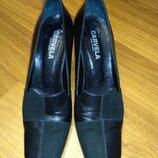 Carvela. кожа и замша. туфли на устойчивом каблуке, 38 размер