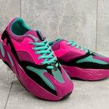 Кроссовки женские Adidas Yeezy Boost 700 OG pink