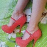 Нежно-Коралловые туфельки 37 размера .сост.отл