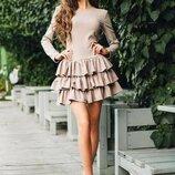 Красивое платье цвета Мокко с оборочками и длинным рукавом