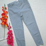 Суперовые стрейчевые укороченные брюки скинни в мелкий ромб H&M.