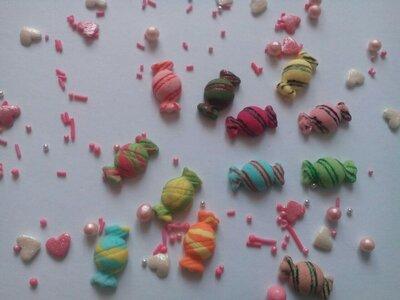 Сахарные конфетки для украшения кондитерских изделий