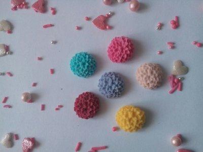 Сахарные цветы для украшения кондитерских изделий