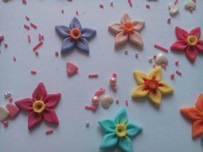 Сахарные цветы нарцис для украшения кондитерских изделий, размер на фото. Цвета разные Цена 2 шт.