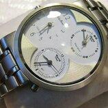 Часы кварцевые Philip Persio мужские, новые, механизм MIYOTA Япония ,три циферблата.