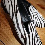 38 разм. Лоферы - туфли Ессо. Мех, внутри кожа длина по внутренней стельке - 25 см., ширина подошвы