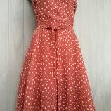 Шикарное платье в горошек в бельевом стиле