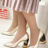 Туфли Exclusive, натуральная кожа, на каблуке с декором, золото