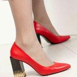 Туфли Exclusive, натуральная кожа, на каблуке с декором, красные. Бренд Mario Muzi